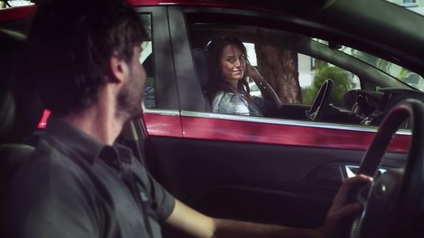 Publicidad de autos Cita en el semaforo